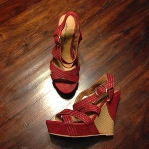 Melrose Ave Red Stacked Wooden Wedges Sz 6
